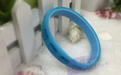 天猫店主王女士与文博塑胶的手腕带案例